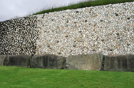15680-newgrange-quartz-kerbstones