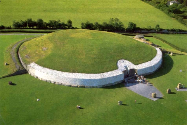 newgrange-from-air